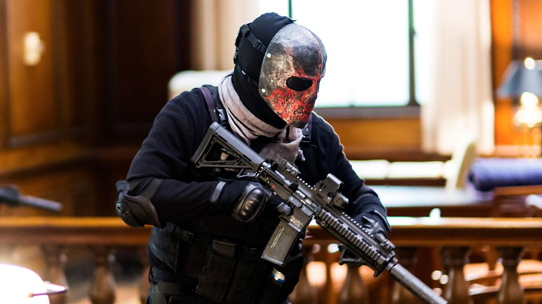 Картинки маска с оружием