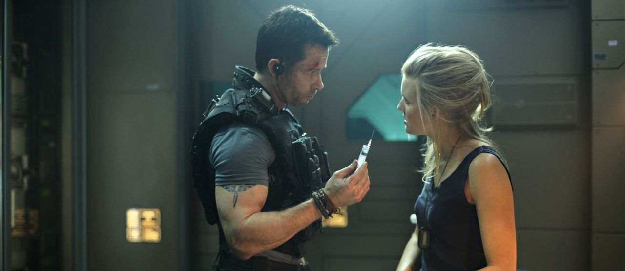 Lockout (2012) Review - The Action Elite